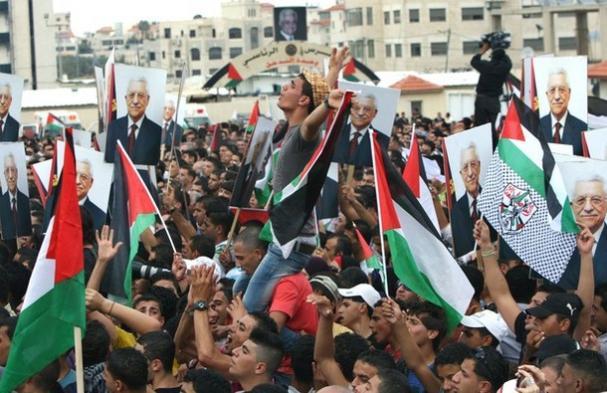 Hiljade Palestinaca dočekalo Mahmuda Abasa u Ramali