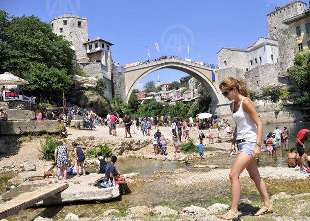 Pripreme za Skokove sa Starog mosta u Mostaru / Foto: Anadolija