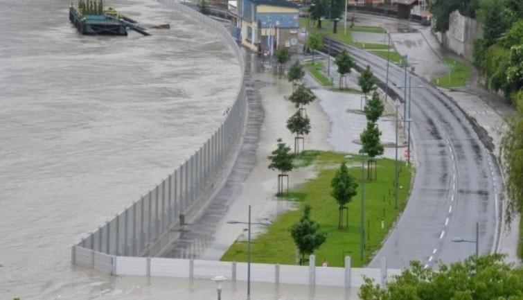 Metalna barijera - zaštita od poplava