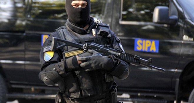 akcija-u-kalesiji-sipa-uhapsila-elmu-dusinac-zbog-sumnje-u-povezanost-s-terorizmom