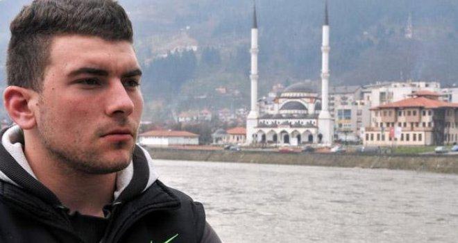 Alen Muhić, dijete muslimanke koju je '92. silovao srpski vojnik: Nit' mrzim, nit' proklinjem, ali...
