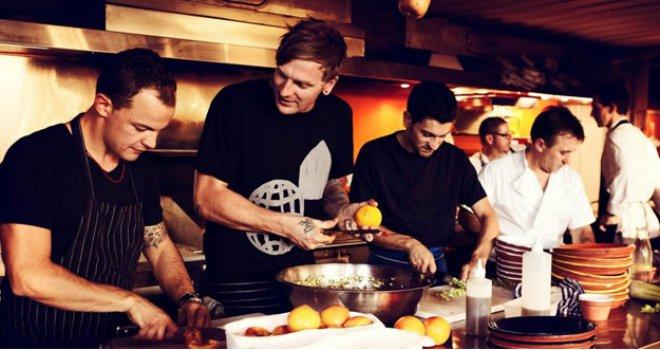 Traži kuhare i nudi im platu od 1.000 eura,  a na birou mu se smiju i niko neće posao!