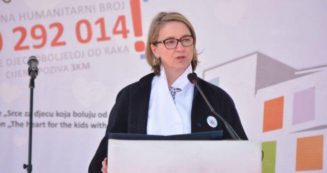 Nezapamćen interes: Autobusima na predavanje Sebije Izetbegović u Konjicu
