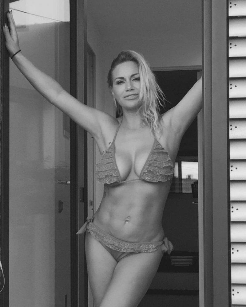 selma-bajrami-bikini