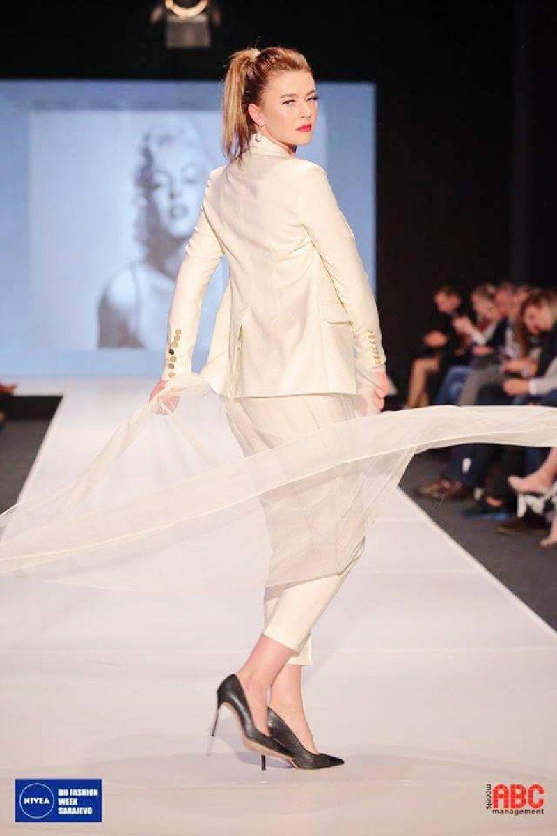 Nivea fashion week banja luka slike 26. Nivea Bh. Fashion Week Banja Luka - fo - Prvi bh