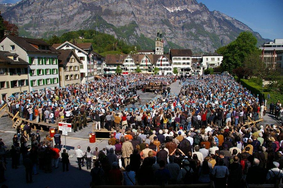 glarus-svicarski-kanton-forum