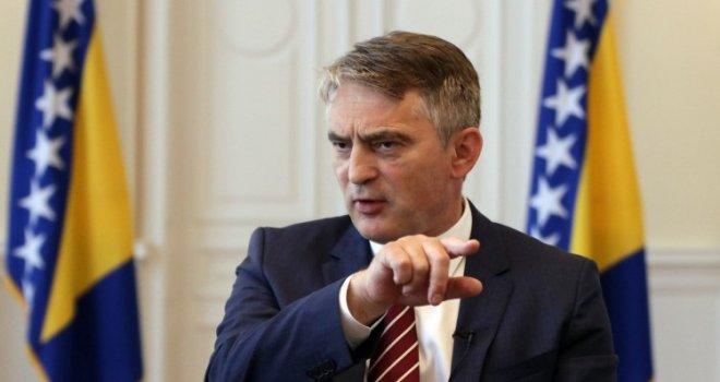 Komšić je ljut: Zbog alarmantnih izjava Emanuela Macrona u kabinet poziva ambasadora Francuske u Sarajevu