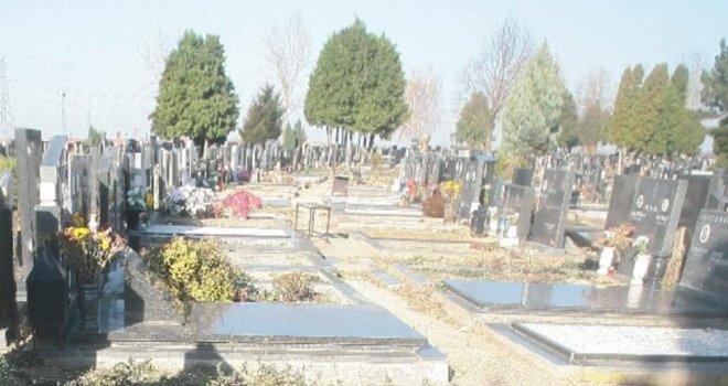 Tokom sahrane eksplodirao sanduk sa pokojnikom u njemu, žena povrijeđena