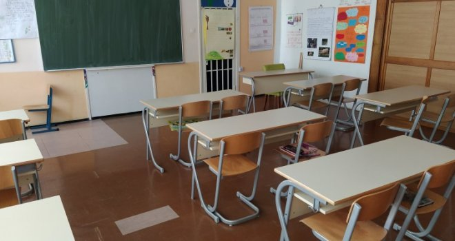 Sindikati obrazovanja u KS protiv povratka u učionice: Nastavni proces održavati online