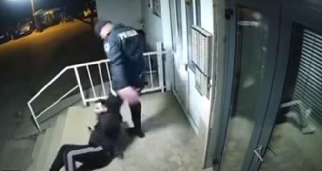 Mladić brutalno pretučen u Mostaru: Policajac ga šamarao, bacio na pod, šutirao, a onda mu se pridružio kolega...